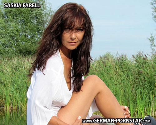 Saskia Farell Biographie