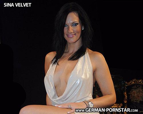 Sina Velvet Biographie