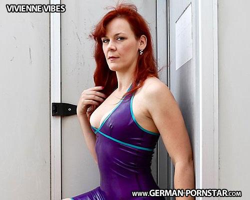 Vivienne Vibes Biographie