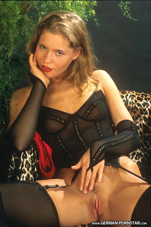 Anja juliette laval nackt