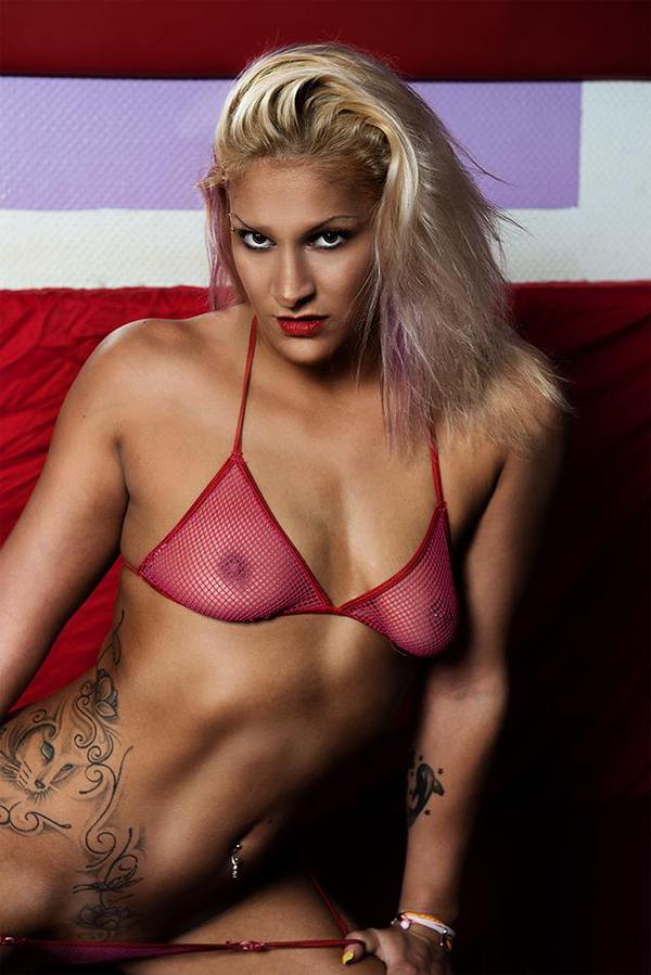 tara reid young naked