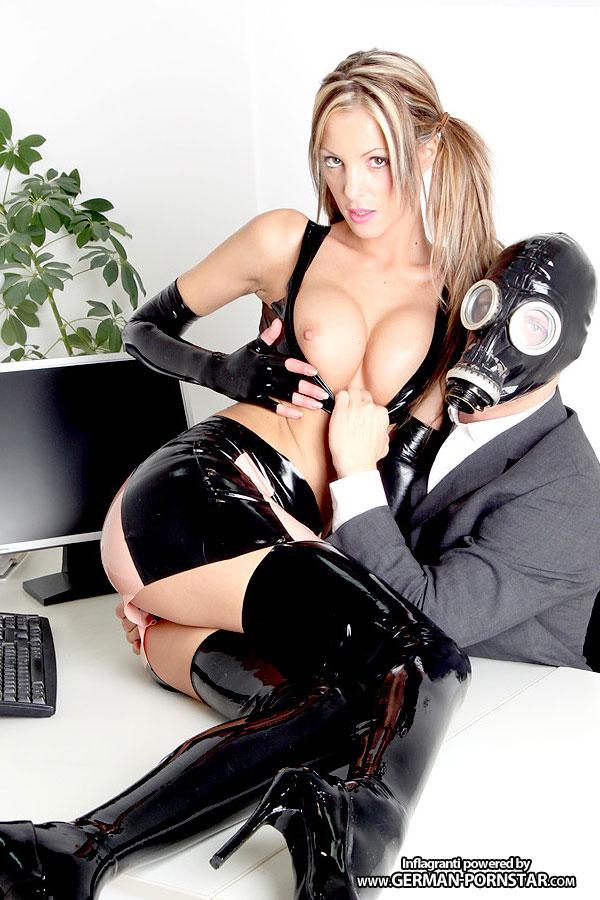 Lara Love Porno