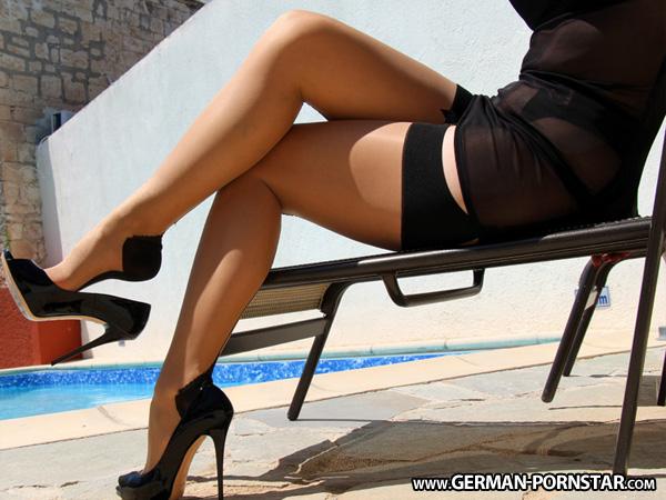 sm rollenspiele nylons in high heels