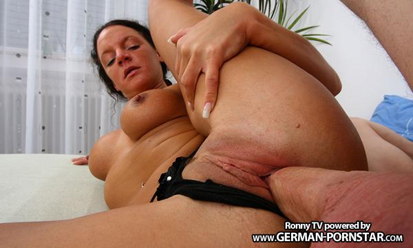German Milf Vicky Wet Hard Fucked