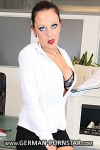 Kate Nox