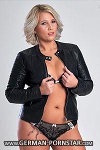 Venus Berlin Tatjana Young